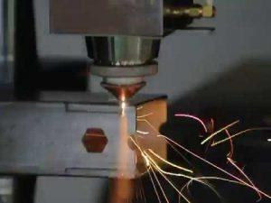 ACCURL 1000w-fiberlaserbuissnijmachine voor lasersnijden van buizen en profielen