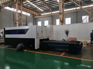 CNC 500 W Fiber Cutter Graveur Multifunctionele Sheet en Pipe metaalvezel lasersnijmachine