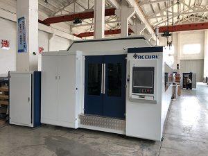 Grote kracht 1000W ~ 4000W fiberlasersnijmachine voor soepel snijden van metaalplaten